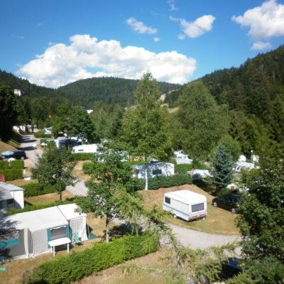 Emplacements camping car au camping La Belle Hutte dans les Vosges